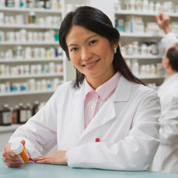 pharmacist career requirements and salary This made jobs plentiful and caused salaries to rise above 6 figures,  understandably making pharmacists a very hot commodity the lure of a  guaranteed job.